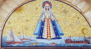 Stella Maris mosaic above the doors at the Baileys Harbor St. Mary of the Lake site, źródło: www.stellamarisparish.com