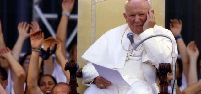 10 myśli Świętego Jana Pawła II skierowanych do Młodych