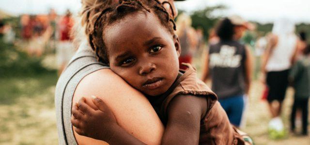Co powiesz umierającym dzieciom o dobroci Boga?